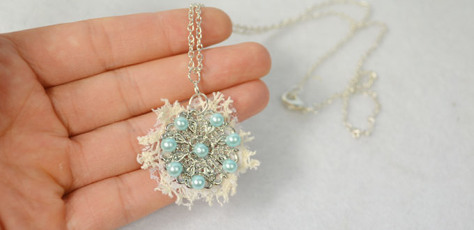 Diy light blue pearl flower pendant necklace with lace carols this necklace is quite easy for you to make at home so if you also like such pendant necklace design follow me to make one yourself solutioingenieria Image collections